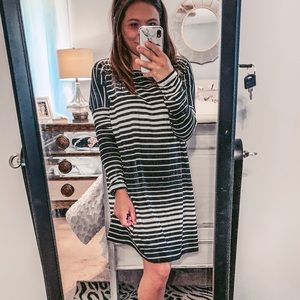 Longsleeve piko styled dress